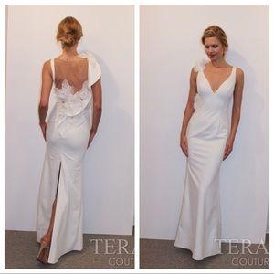Terani 2018 model white sz 10 asymmetrical gown